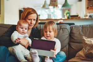 вебинар «Осторожно, дети!» Марии Ковиной-Горелик и Анны Басс   проект How to Know How о бережном изучении английского языка